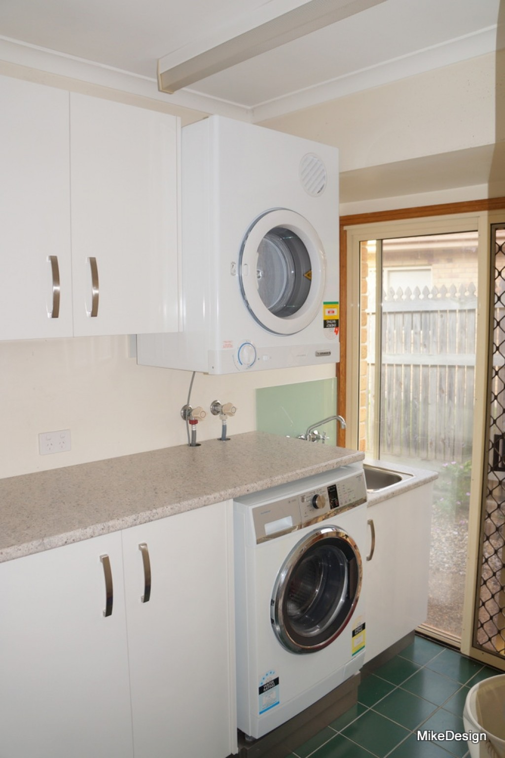 Laundry Room Design Top Loader Hanging Clothes