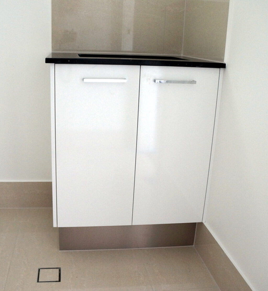 White Gloss Kitchen Cabinet Doors: Laundry Cabinets, Benchtops & Storage