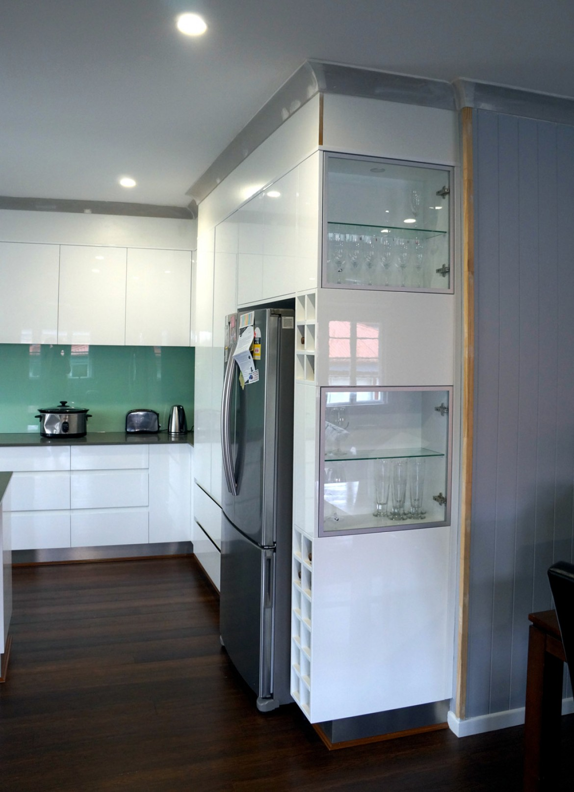 Kitchen display cabinet with built-in spotlights - Mike Design