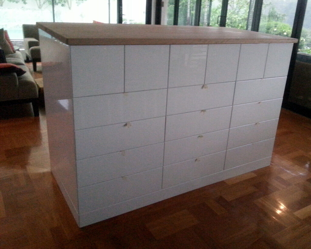 Kitchen cabinets drawers benchtops pantries islands for 2 pac kitchen cabinets